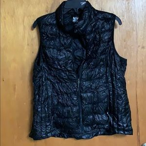 Black Puffy Vest size XL
